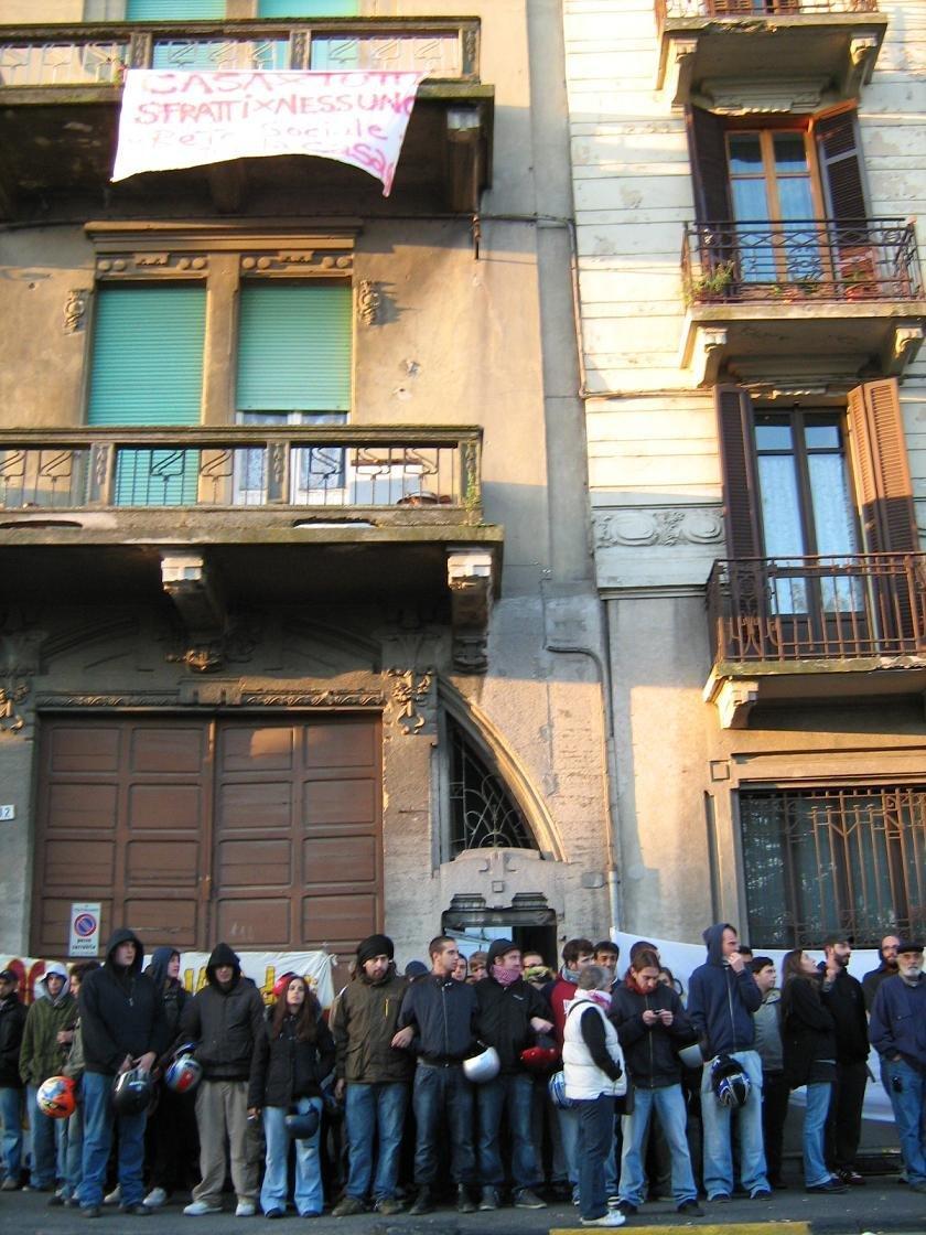 Alessandria – Due incendi in una settimana nella palazzina di via Carlo Alberto 14