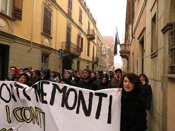 Alessandria – Nè Tremonti, nè Monti, ora i conti li fate con noi!