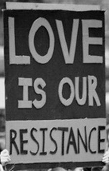 Il Laboratorio Sociale è in vendita, ma il nostro amore non ha prezzo