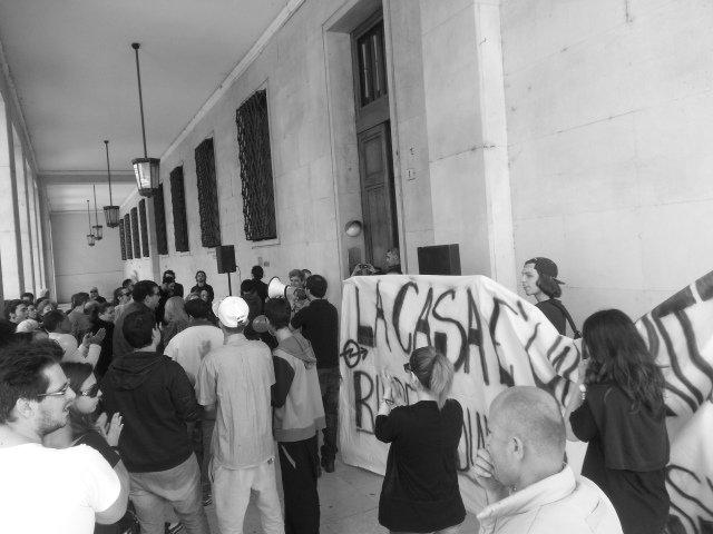 Il Movimento per la casa occupa l'ex banca d'Italia in Piazza della Libertà