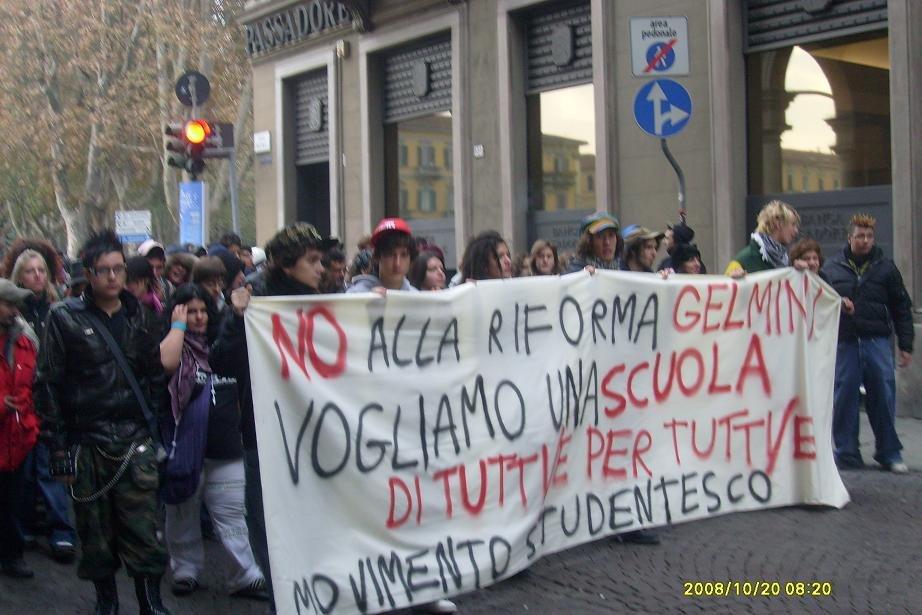 Alessandria – Centinaia di studenti contro la riforma Gelmini
