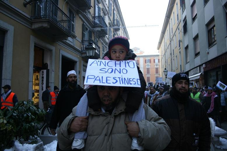 Alessandria – Oltre 1000 persone manifestano in solidarietà con la Palestina