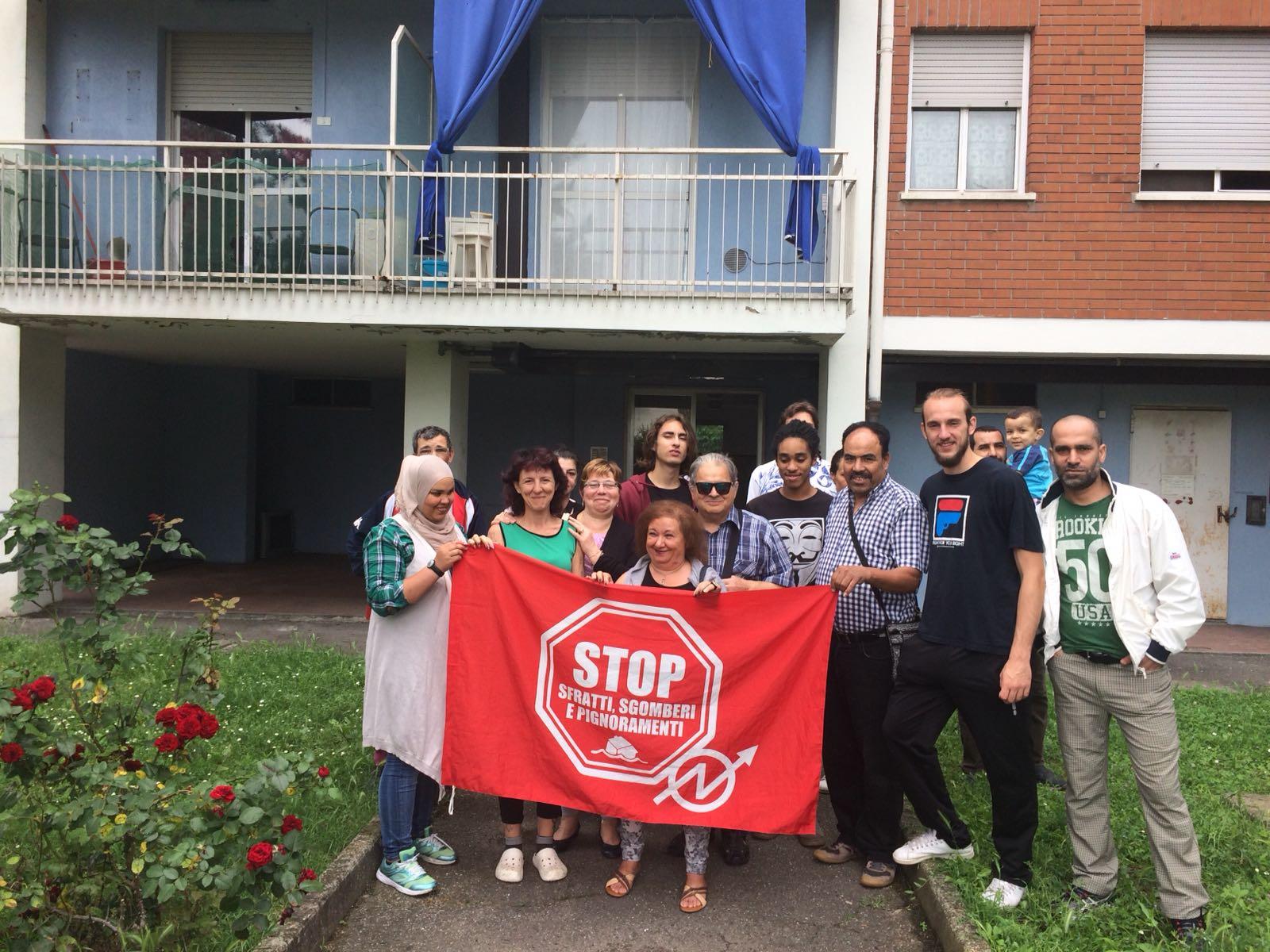 Il Movimento per la Casa non va in vacanza: ennesimo sfratto rinviato