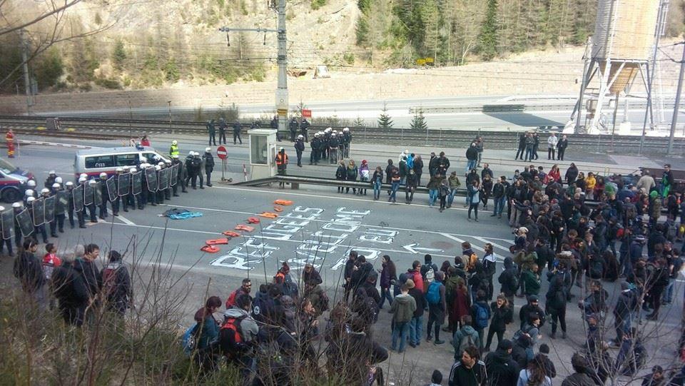 Una bella giornata di lotta al Brennero contro i confini