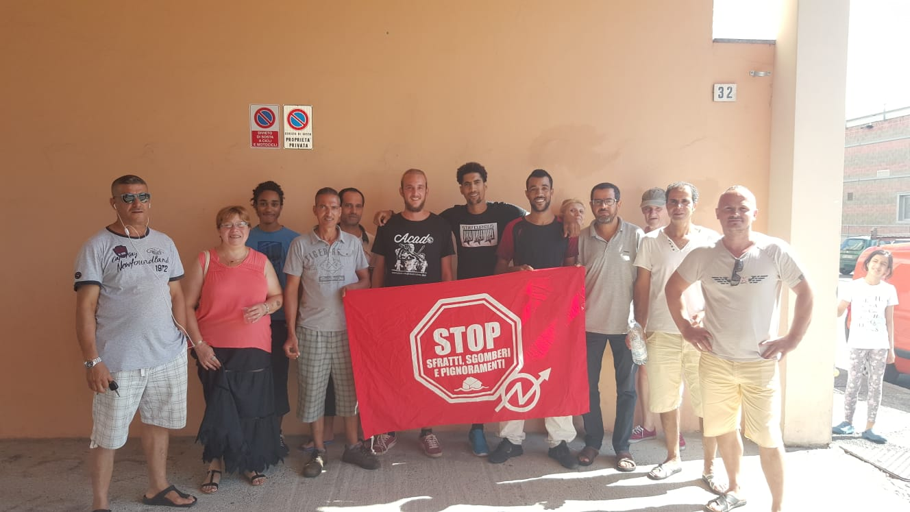 Il Movimento per la Casa impedisce lo sfratto della famiglia di Mouludi