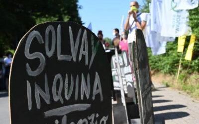 Basta col ricatto salute/lavoro. Solo la riconversione ecologica di Solvay può garantire i posti di lavoro