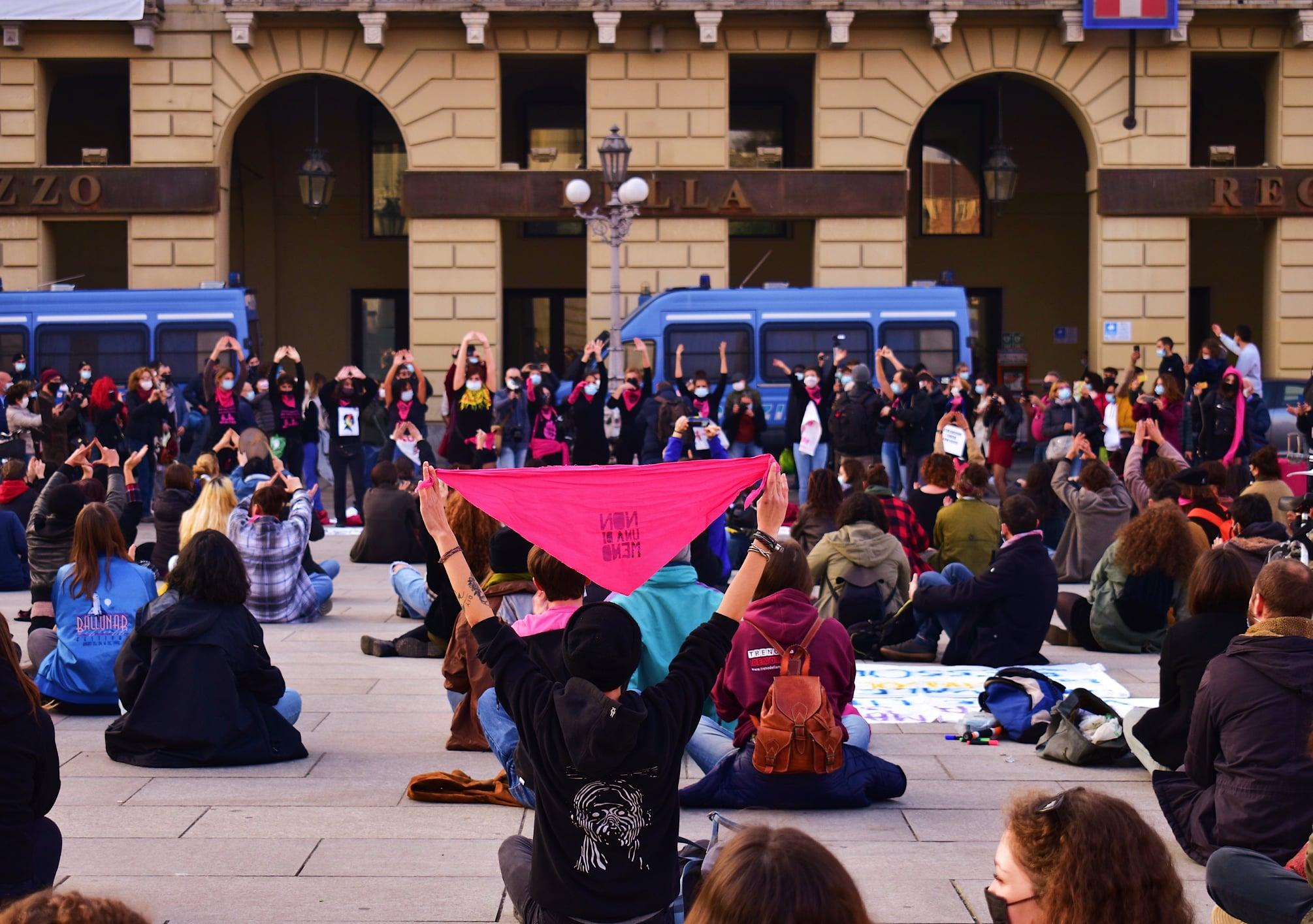 Da Locci e Castellano l'ennesimo tentativo di minare l'autodeterminazione delle donne